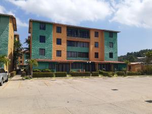 Apartamento En Alquileren Puerto La Cruz, Puerto La Cruz, Venezuela, VE RAH: 19-15115
