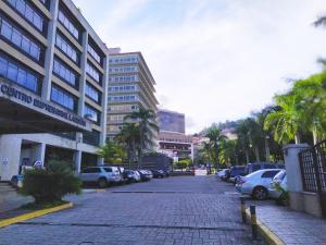 Oficina En Ventaen Caracas, La Lagunita Country Club, Venezuela, VE RAH: 19-15197