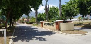 Apartamento En Ventaen Guatire, Alto Grande, Venezuela, VE RAH: 19-15195
