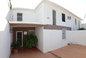 Casa En Ventaen Coro, Sector Independencia, Venezuela, VE RAH: 19-15205