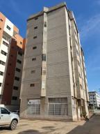 Apartamento En Ventaen Barcelona, Colinas Del Neveri, Venezuela, VE RAH: 19-15206