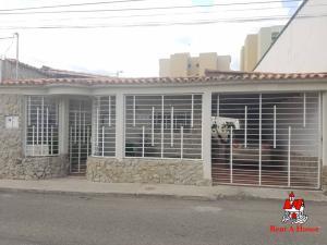 Casa En Ventaen Maracay, Los Astros, Venezuela, VE RAH: 19-15250