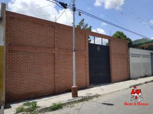 Terreno En Ventaen Turmero, Zona Centro, Venezuela, VE RAH: 19-15264