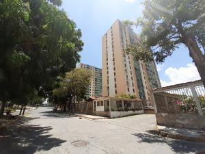 Apartamento En Ventaen Barquisimeto, Las Trinitarias, Venezuela, VE RAH: 19-15278