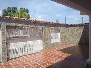 Casa En Ventaen Maracay, Santa Rita, Venezuela, VE RAH: 19-15296