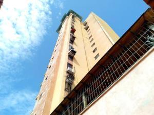 Apartamento En Ventaen Maracay, Urbanizacion El Centro, Venezuela, VE RAH: 19-15326