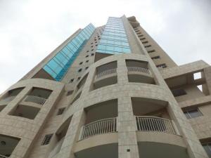 Apartamento En Alquileren Maracaibo, El Milagro, Venezuela, VE RAH: 19-15344