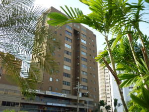 Apartamento En Ventaen Maracaibo, La Lago, Venezuela, VE RAH: 19-15431