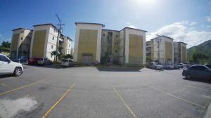 Apartamento En Ventaen Municipio San Diego, Monteserino, Venezuela, VE RAH: 19-15523