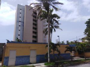 Apartamento En Ventaen Parroquia Caraballeda, Caribe, Venezuela, VE RAH: 19-15489