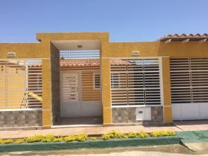 Casa En Ventaen Punto Fijo, Puerta Maraven, Venezuela, VE RAH: 19-15540