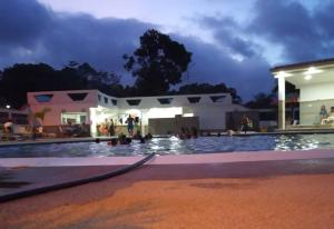 Casa En Ventaen Higuerote, Higuerote, Venezuela, VE RAH: 19-15555