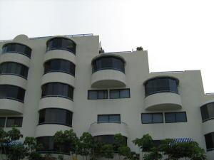 Apartamento En Ventaen Higuerote, Higuerote, Venezuela, VE RAH: 19-15583