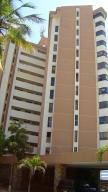 Apartamento En Ventaen Catia La Mar, Playa Grande, Venezuela, VE RAH: 19-15618