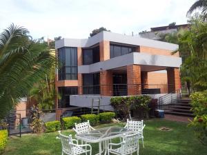 Casa En Ventaen Caracas, Los Naranjos Del Cafetal, Venezuela, VE RAH: 19-15649