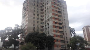 Apartamento En Ventaen Maracay, Avenida Ayacucho, Venezuela, VE RAH: 19-15662