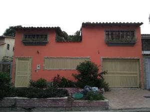 Townhouse En Ventaen Cua, Santa Rosa, Venezuela, VE RAH: 19-15982