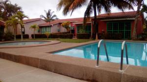 Casa En Ventaen Higuerote, Higuerote, Venezuela, VE RAH: 19-15819