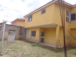 Casa En Ventaen La Victoria, La Castellana, Venezuela, VE RAH: 19-15882