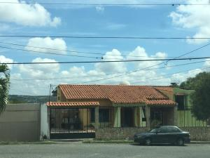 Casa En Ventaen Barquisimeto, Colinas De Santa Rosa, Venezuela, VE RAH: 19-15906
