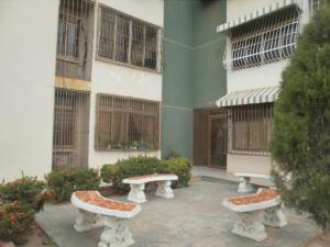 Apartamento En Alquileren Maracaibo, El Varillal, Venezuela, VE RAH: 19-16243