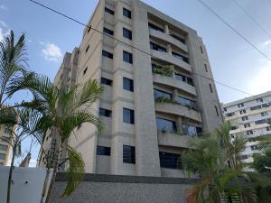 Apartamento En Ventaen Catia La Mar, Playa Grande, Venezuela, VE RAH: 19-16133
