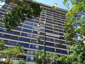Apartamento En Ventaen Caracas, Los Naranjos Del Cafetal, Venezuela, VE RAH: 19-12554