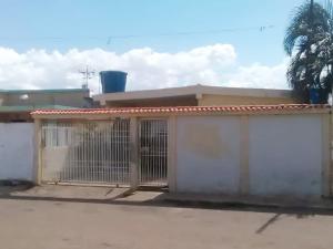 Casa En Ventaen Municipio San Francisco, San Francisco, Venezuela, VE RAH: 19-15986