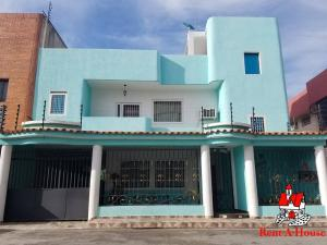 Townhouse En Ventaen Maracay, Santa Rita, Venezuela, VE RAH: 19-16176