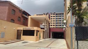 Apartamento En Ventaen Valencia, Campo Alegre, Venezuela, VE RAH: 19-16215