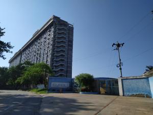 Apartamento En Ventaen Higuerote, Ciudad Balneario Higuerote, Venezuela, VE RAH: 19-16427