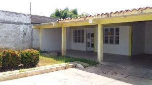 Casa En Ventaen Ciudad Ojeda, Avenida Vargas, Venezuela, VE RAH: 19-16403
