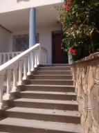 Casa En Ventaen Parroquia Caraballeda, Caribe, Venezuela, VE RAH: 19-16480