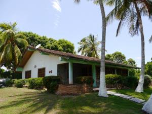 Casa En Ventaen Tucacas, Tucacas, Venezuela, VE RAH: 19-16415