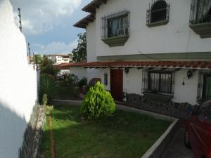 Casa En Ventaen Caracas, El Marques, Venezuela, VE RAH: 21-25687