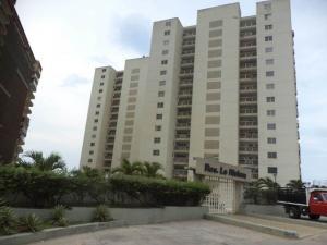 Apartamento En Ventaen Catia La Mar, Playa Grande, Venezuela, VE RAH: 19-16552
