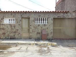 Casa En Ventaen Cua, Lecumberry, Venezuela, VE RAH: 19-16685