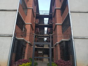 Apartamento En Ventaen Guarenas, Camino Real, Venezuela, VE RAH: 19-16572