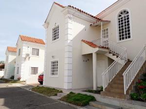 Apartamento En Ventaen Coro, Sector Bobare, Venezuela, VE RAH: 19-16631