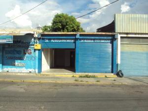 Local Comercial En Alquileren Maracay, Avenida Ayacucho, Venezuela, VE RAH: 19-16665
