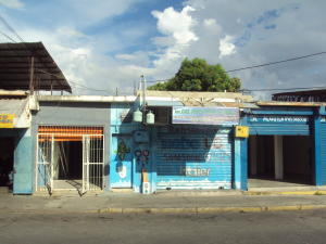 Local Comercial En Alquileren Maracay, Avenida Ayacucho, Venezuela, VE RAH: 19-16669