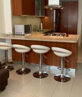 Apartamento En Ventaen Caracas, Los Naranjos Humboldt, Venezuela, VE RAH: 19-16675