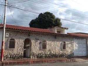 Casa En Ventaen Turmero, El Macaro, Venezuela, VE RAH: 19-16680