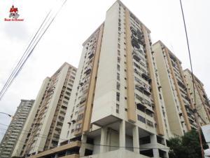Apartamento En Ventaen Maracay, Zona Centro, Venezuela, VE RAH: 19-16704