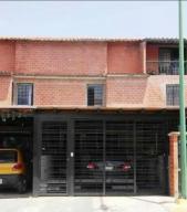 Townhouse En Ventaen Guatire, El Encantado Ii, Venezuela, VE RAH: 19-16747