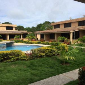 Townhouse En Ventaen Rio Chico, Los Canales De Rio Chico, Venezuela, VE RAH: 19-17291