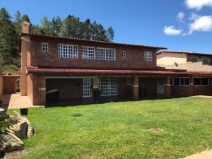 Casa En Ventaen Caracas, Los Naranjos Del Cafetal, Venezuela, VE RAH: 19-17377