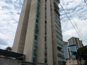 Apartamento En Ventaen Maracay, Zona Centro, Venezuela, VE RAH: 19-17044