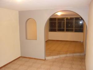 Apartamento En Ventaen San Antonio De Los Altos, La Rosaleda, Venezuela, VE RAH: 19-17233