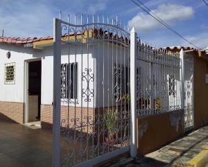 Casa En Ventaen Turmero, Parque Residencial Araguaney Ii, Venezuela, VE RAH: 19-17050